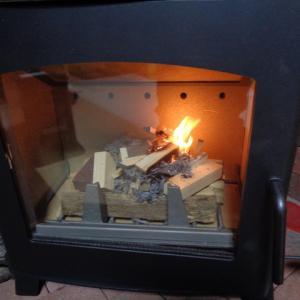 新しいストーブを使い始めてから耐火レンガを長持ちさせる対策をした