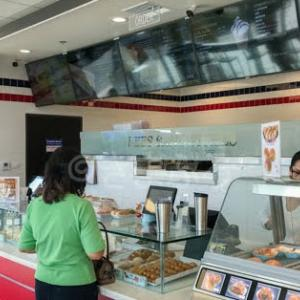 ガーデナに新しく出来たベトナムサンドイッチ店、Lee's Sandwichesへ!