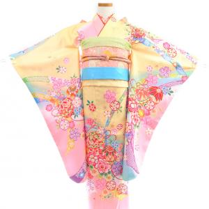 ランドセルと一緒で着物の色柄も選べる時代に!子どもたちの人気カラーは…