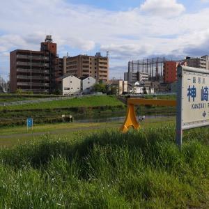 3密を避けて神崎川鉄橋です