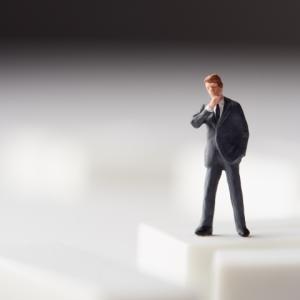 自己中心的思考と労働生産性の関係
