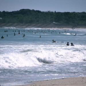 サーファーラッシュの海(志摩)
