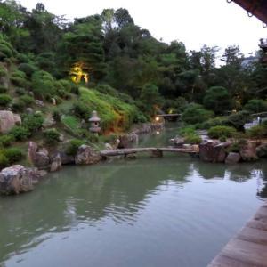 智積院の特別公開 名勝庭園のライトアップ 十三夜