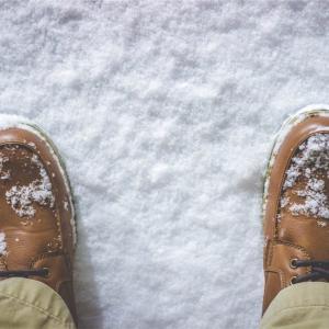 冬場の足が冷えるのは「寒いからこその足汗」が原因だった