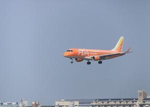[沿線旅振り返り]福岡空港に着陸するFDA機