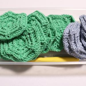 お家で編みます