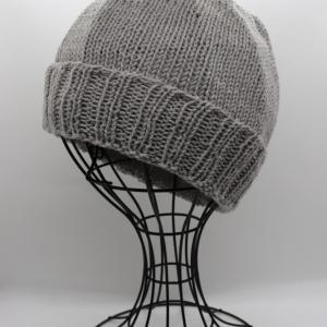 お知らせとケア帽子編みました