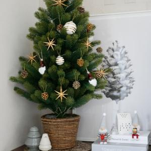 大好きなインテリアの季節♡クリスマスツリーを飾りました!!あまりの便利さに…ポチ(`・ω・´)b