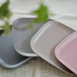 【セリア】即買いのモノトーン!!お外で使いたい!!くすみカラーがかわいい食器♡