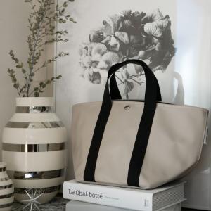 大人が使うときめきバッグ!!高級感があふれるデザイン+汚れにも強い機能性!!