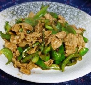 豚肉と青唐辛子の辛炒め~湘西料理のバリエーション/湘西小炒肉(シャンシーシャオチャオロウ)