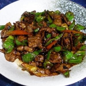 湖南風豚肉の辛炒め~トウチ・醤油・塩を使ったバリエーション/湖南小炒肉(フーナンシャオチャオロウ)