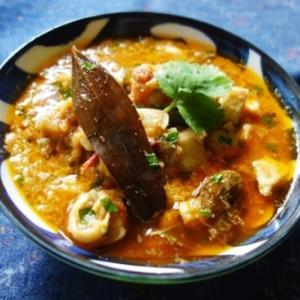 カライクディ風チキンカレー~カシューナッツ・ポピーシードを使用したバリエーション/カライクディ・スペシャル・スパイシー・チキン・コランブ(Karaikudi Special Spicy Chicken Kuzhambu)