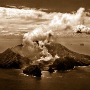 ニュージーランド 噴火