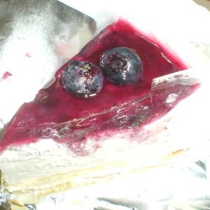 バースデーにブルーベリーチーズケーキ