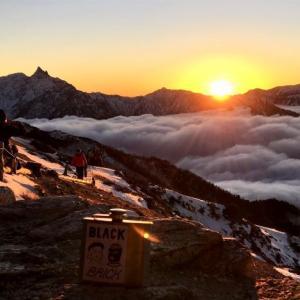 ▲燕岳・槍ヶ岳は雪化粧姿もかっこいい/雪山/北アルプス/2019.11月