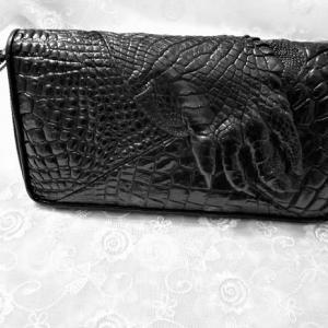 爪付きの財布
