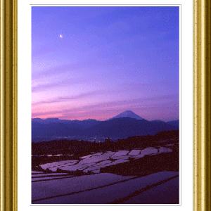 棚田と残月