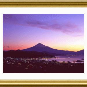 港街の夜明け