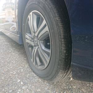タイヤに釣り針刺さってた