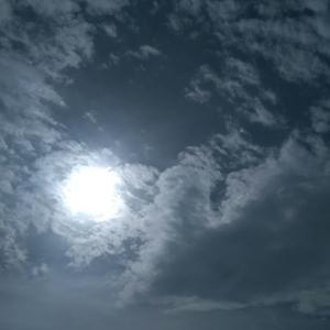 今日の空 日曜日、バス釣りへ。秋水投げて、スピナーベイト投げました‼ 編