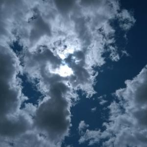 今日の空 金曜日 今日もリール眺めながら歌聴こう