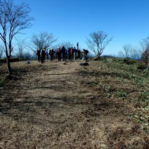 令和元年最後のボランテイア(高岳山頂整備)