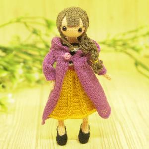 秋ファッションのお姉さん