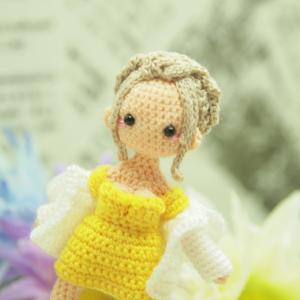オーダー品 黄色いドレスの似合うセクシィなお姉さん