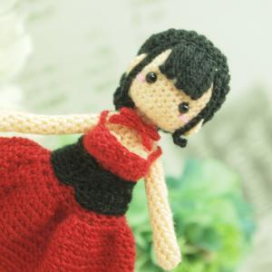 オーダー品 赤いドレスの女の子