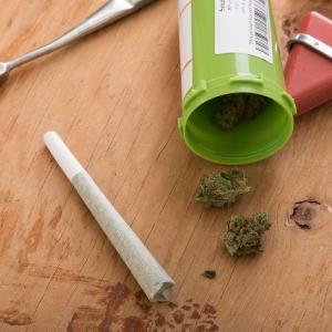 沖縄県高校生ら大麻取締法違反の疑いで約20人を摘発!福岡現職町議が関与の疑い!!