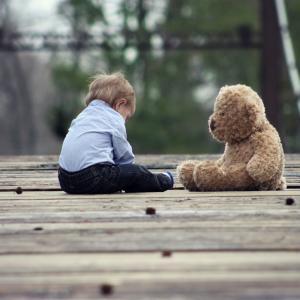 子供の『爪むしり』は自傷行為!?爪むしり対策は長期戦