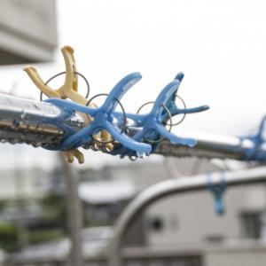 台風で物干し竿は飛ぶ?しまう方がいい?対策方法とストッパーの効果
