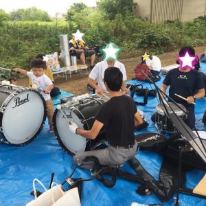 鼓笛バンドのパレード練習に参加
