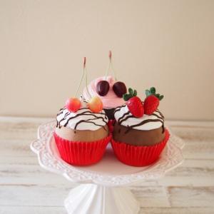 生徒様作品♪リアルなカップケーキ♪松かさ人形♪