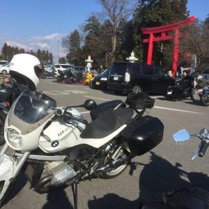 2020初乗りは… バイク神社とラーメンでSTART! BMW R1200R(2010)