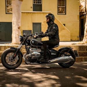BMW Motorradのアメリカンなバイクが売れない理由が少しだけ分かった… R18