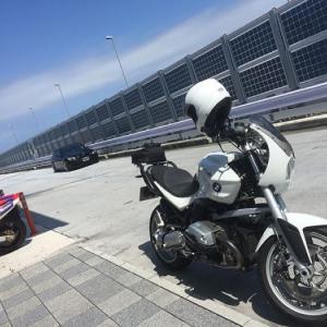 バイクの時間ですが車の話!? 初めてバイクで辰巳PAに行ってみた… BMW R1200R(2010)