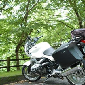 もう限界なのか? バイクに乗るボルテージが上がらない… BMW R1200R(2010)