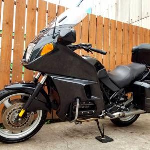 趣向は変わるもの!?欲しいバイクがあったのですが… これも天啓?「まだ買うな!」という事かしら? BMW R1200R