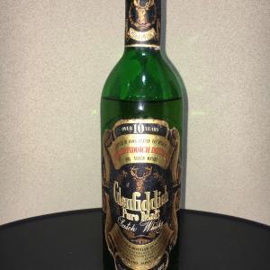 液面が大きく下がったウイスキー(グレンフィディック特級表記1970年代流通)