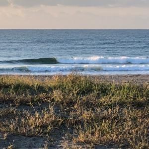 秋晴れ早朝サーフィン セット胸