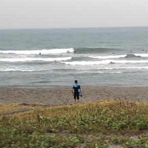 磐田市豊浜海岸   サーファー大盛り