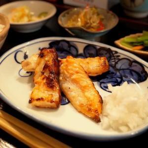 瓜坊の定食屋さん 鮭の西京焼き定食 (荻窪)
