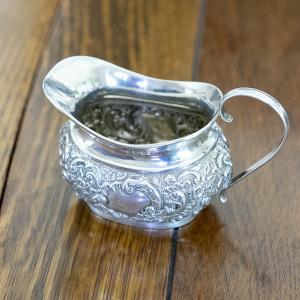 英国アンティーク・純銀製ミルクジャグ