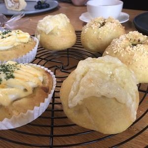 カレー風味のパン