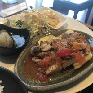 Dining cafe ca.to.cha (ダイニングカフェ カトチャ)