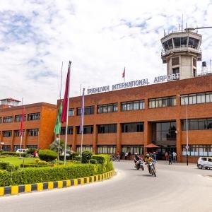 ネパール情報 鎖国延長決定