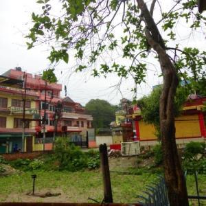ネパール:何だぁ~住宅地に漂うウ●コ臭は・・・