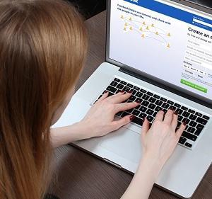 【鉄則】メイドを雇ったら必ず定期的にフェイスブックをチェックせよ